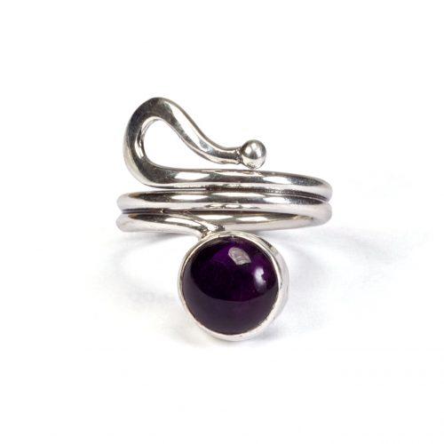 Madat Nepal Ring Zilver 18mm Garnet